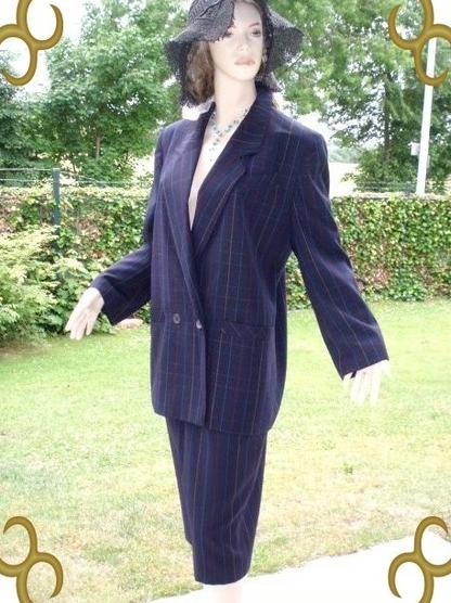Tuzzi Kostüm dunkelblau bunt gestreift Gr 38 (5522)
